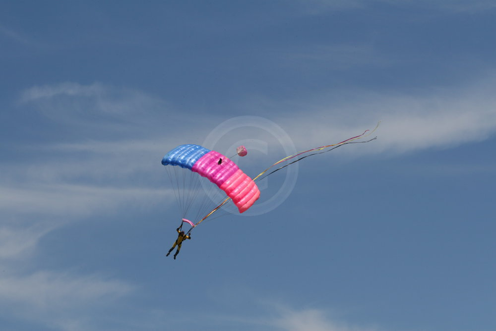 Fallschirmspringer   - weiter zur Fotogalerie
